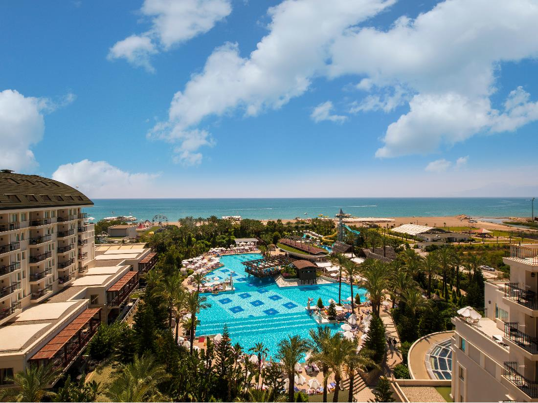 Pools / Aquapark / Beach - Activities & Entertainment - Delphin Diva