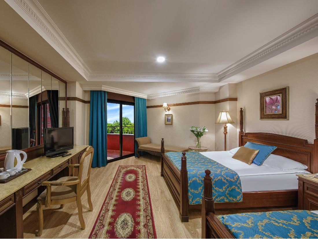 Standard Land View Room - Accommodation - Delphin Palace