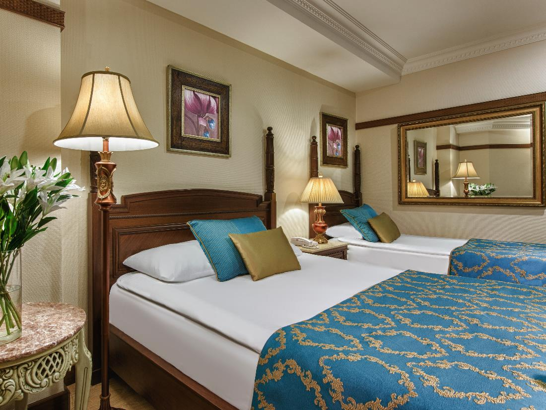 Standart Side Sea View Room - Accommodation - Delphin Palace