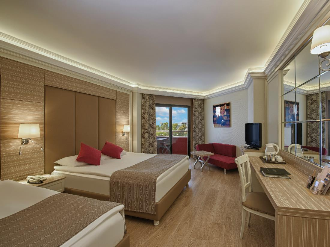 Standard Land View Room - Accommodation - Delphin Deluxe