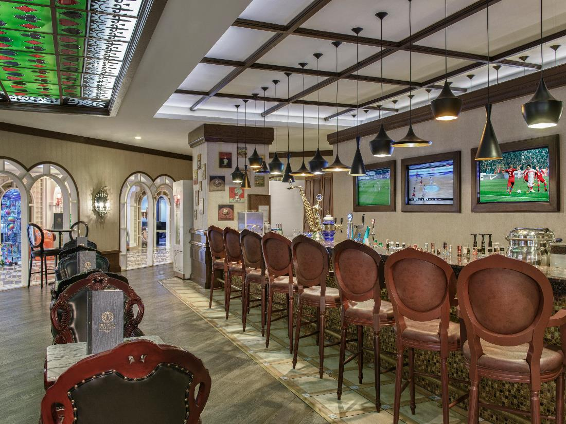 Camelot Bar - Bars - Food & Beverage - Delphin Imperial