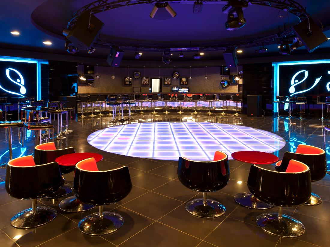 Night Club - Bars - Food & Beverage - Delphin Imperial