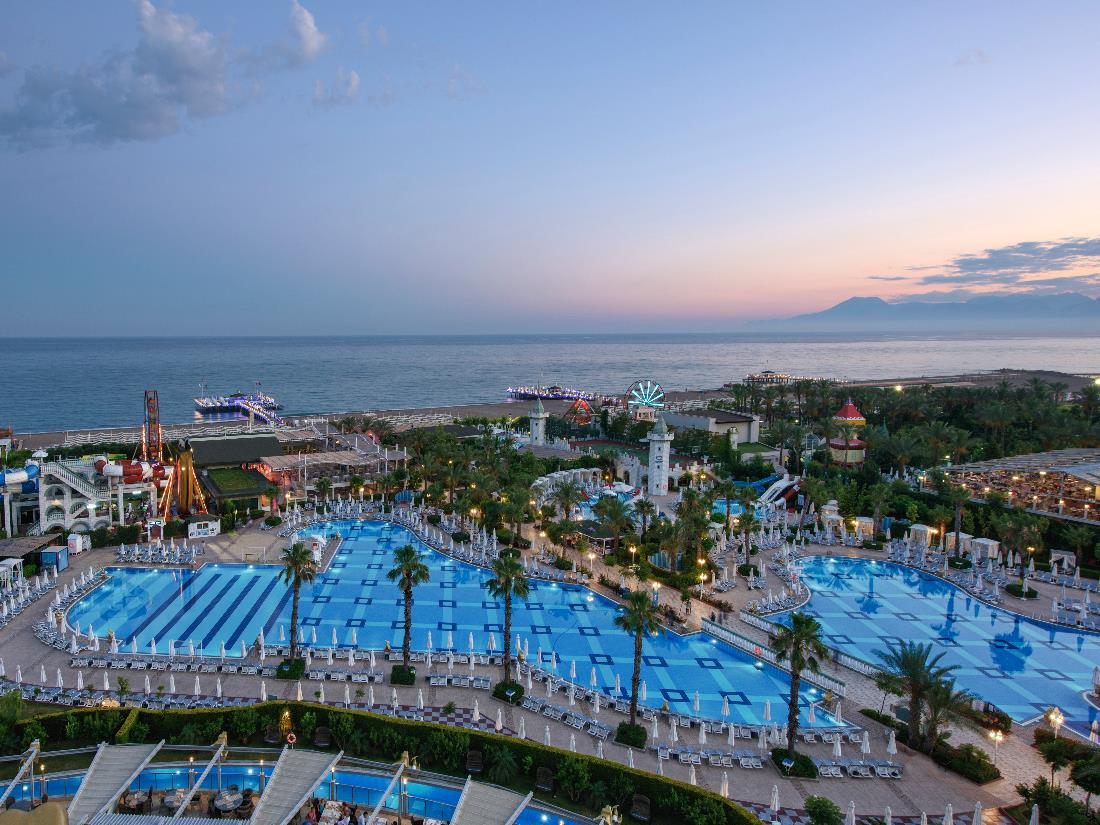 Pools / Aquapark / Beach - Activities & Entertainment - Delphin Imperial