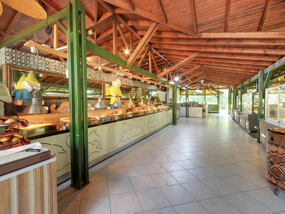 Snack Bar - Bars - Food & Beverage - Delphin Palace