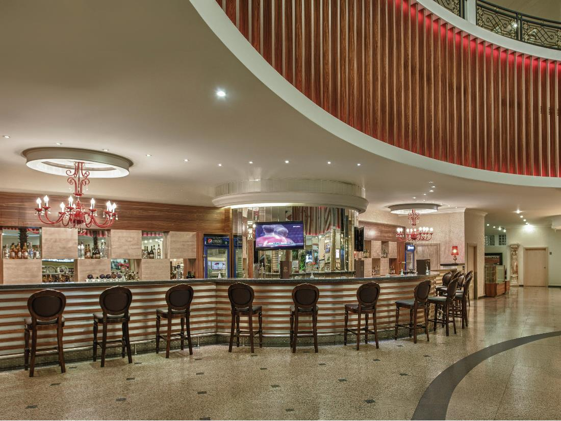 Lobby Bar - Bars - Food & Beverage - Delphin Deluxe